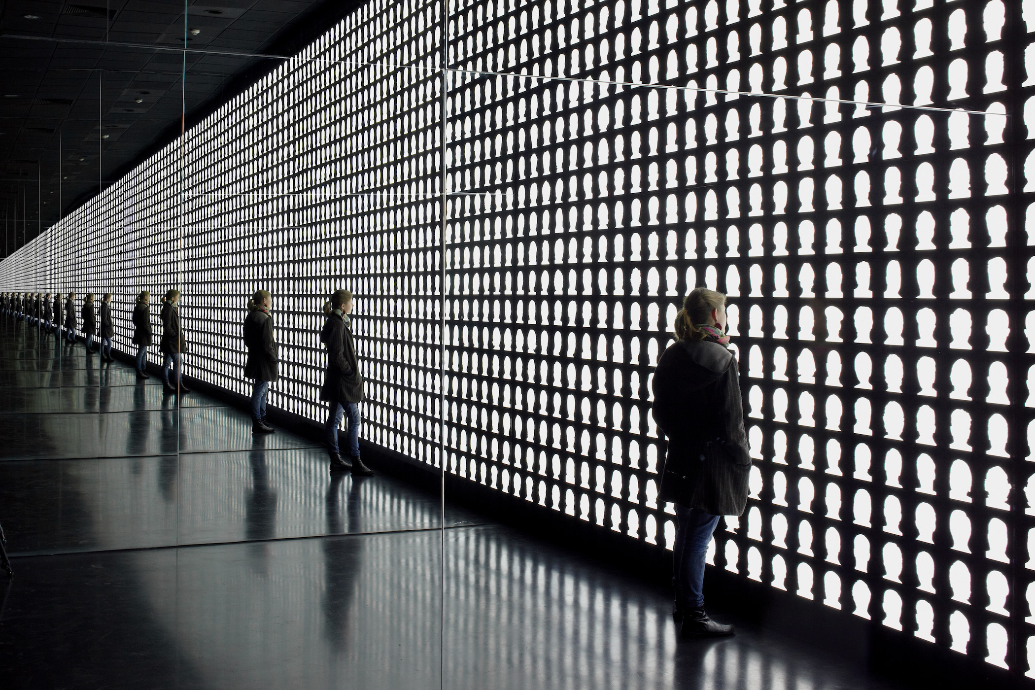 Alfredo Jaar, The Geometry of Conscience, 2010, Santiago de Chile, Museo de la Memoria y de los Derechos Humanos, Courtesy the artist, New York, Photography: Cristobal Palma